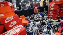 Corona Hantam Ekonomi RI, Distributor Nike Rumahkan 2.226 Karyawan