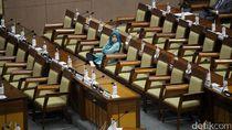 Kembang Kempis Calon Legislator