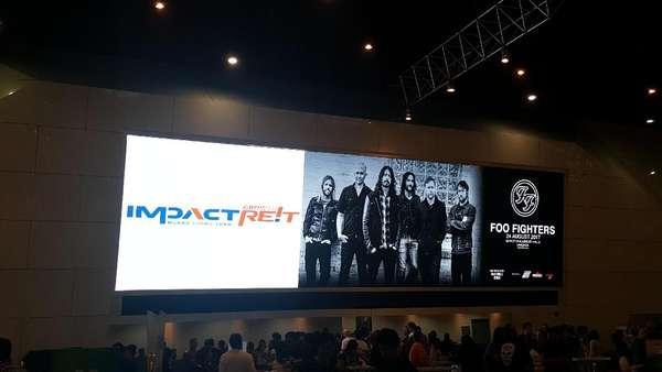 Begini Panasnya Panggung Konser Foo Fighters di Bangkok
