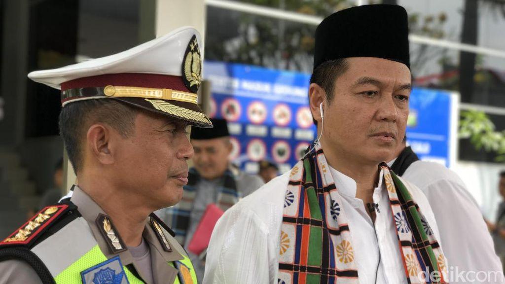 BPRD DKI Serahkan List Artis Penunggak Pajak Mobil ke Anwar Fuadi