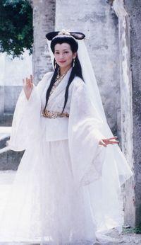Penampilan Angie Chiu saat menjadi Siluman Ular Putih pada 1992