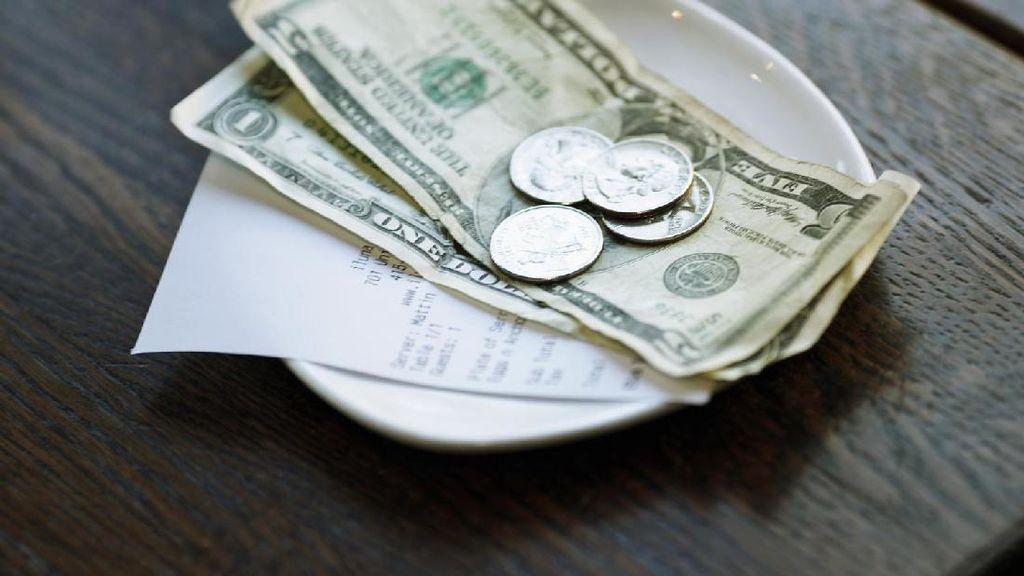 Curi Uang Tip Rp 139 Juta, Bartender Ini Dipolisikan