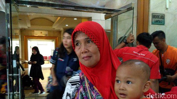 Supriyati (57) korban First Travel yang melapor ke Bareskrim, Jumat (25/8
