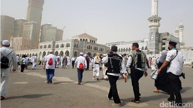Kepadatan Jemaah Masjidil Haram di Jumat Terakhir sebelum Puncak Haji
