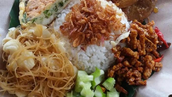 Boleh nggak sih sarapan nasi uduk? Foto: Istimewa