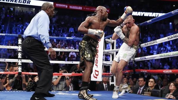 Mayweather Menang TKO atas McGregor