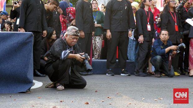 Menteri Basuki sudah lama menggeluti fotografi.