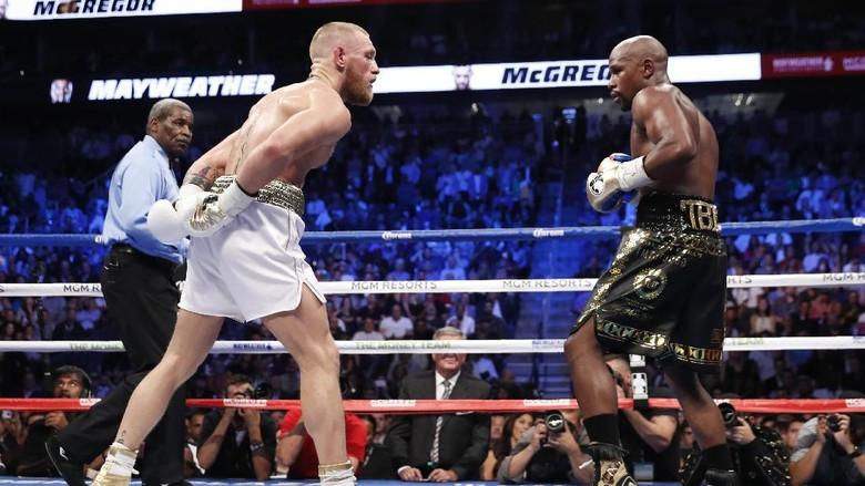 Ini Statistik dan Perbandingan Pukulan Mayweather vs McGregor