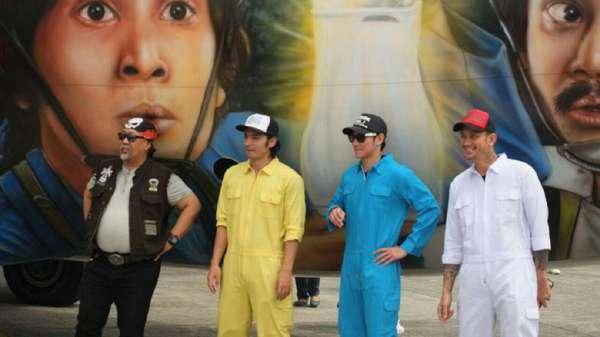Ini Penampakan Pesawat yang Dicat Wajah Cast Warkop DKI: Reborn