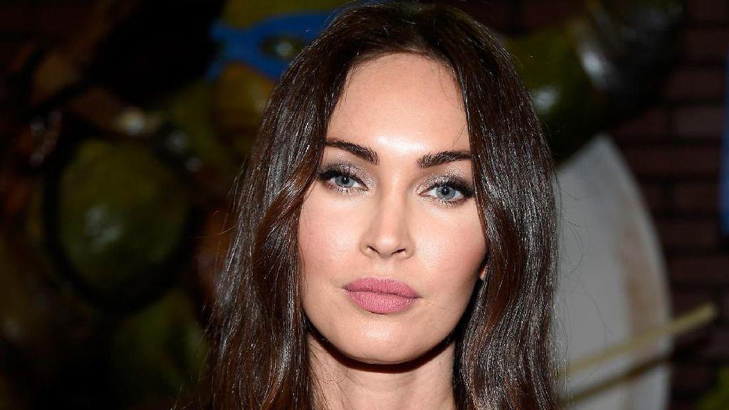 Karena Foto Ini, Megan Fox Dicurigai Netizen Lakukan Operasi Plastik