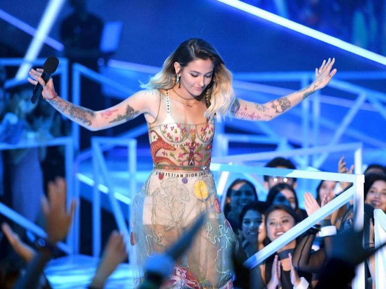 Pidato di MTV VMA 2017, Putri Michael Jackson Kecam Nazi