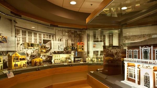 Beberapa miniatur kastil dapat kita lihat di Museum Miniatur. Pengerjaannya pun sangat detail! (The Mini Time Machine Museum of Miniatures/Facebook)