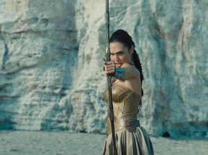Kristen Wiig Akan Perankan Villain Di Wonder Woman 2?
