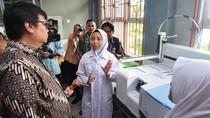 Menperin Airlangga Hartarto Tinjau SMAK Padang