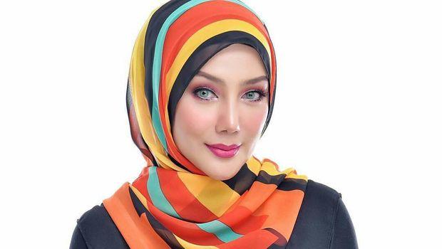 Erra Fazira mantan istri Engku Emran
