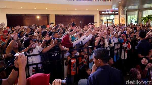 Surabaya dan Solo Antusias Sambut Cast Warkop DKI Reborn