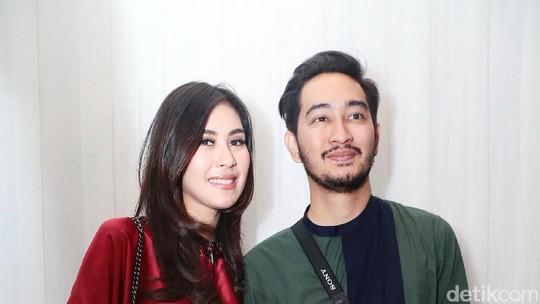 Senyum Semringah Syahnaz dan Jeje Govinda Jelang Nikah