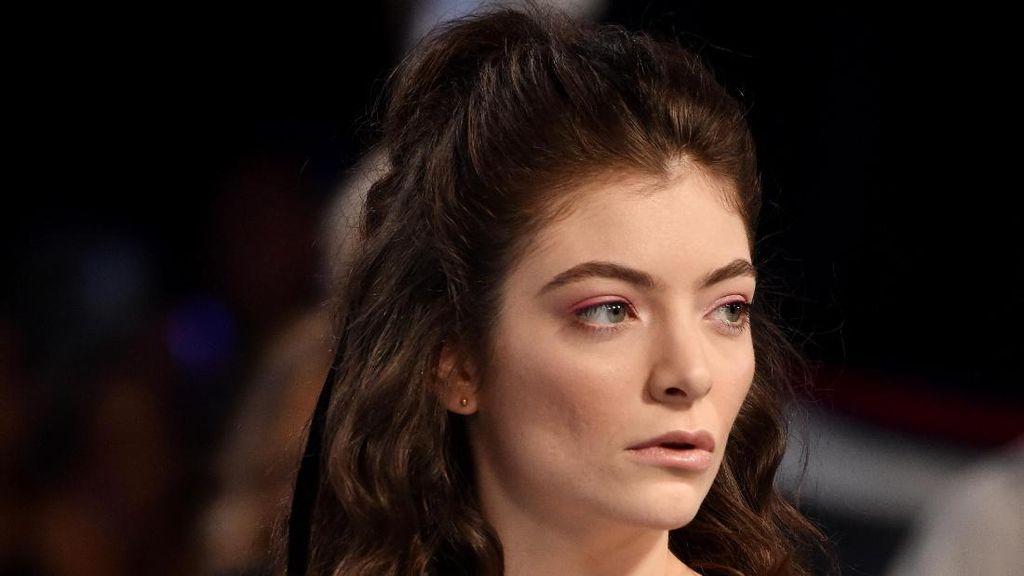 Putus Cinta Pertamakalinya, Ini Cara Lorde Sembuhkan Patah Hati