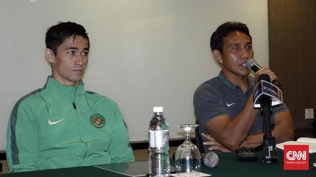 Gavin Kwan Adsit (kiri) antusias menyambut lawan-lawan kuat di PSSI Anniversary Cup.