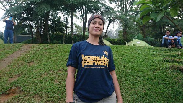 Dian Syahputri Fitri Handayani (34) pendaki grand slam