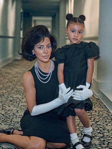 Foto: Saat Kim Kardashian Menjelma Jadi Jackie Kennedy, Mirip?