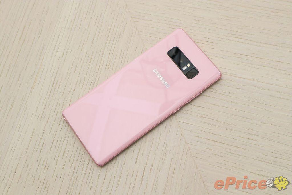 Bagian cangkangnya dibalut warna merah muda. Foto: Eprice