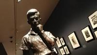 Traveler penikmati karya seni pastinya bakalan betah di sini. Aneka pameran sering digelar di Galeri Nasional Singapura (Tri Ispranoto/detikTravel)