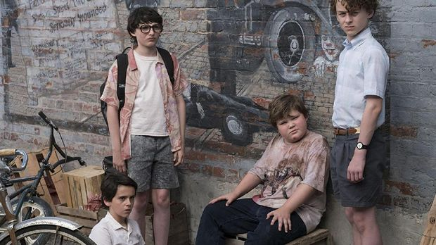 The Losers' Club saat masih anak-anak di film 'It' (2017).