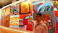 Traveler yang mau wisata ke Galeri Nasional Singapura dan melihat berbagai karya seni termasuk karya Yayoi Kusama bisa berkunjung mulai siang hingga malam hari setiap harinya (Tri Ispranoto/detikTravel)