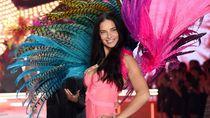 Model Victorias Secret Adriana Lima Berlatih Tinju Sebelum Catwalk