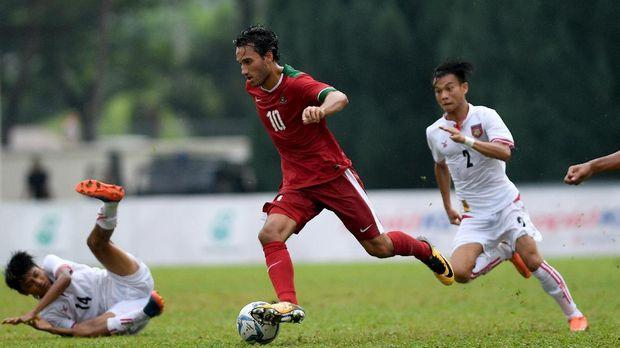 Ezra Walian masuk dalam daftar 38 nama pemain Timnas Indonesia U-22.