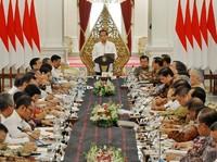 Enam Menteri Dinilai Perlu Diganti, PNS Dapat Gaji ke-13