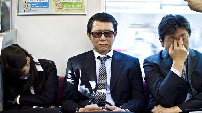 Potret kehidupan Pekerja di Jepang yang Keras
