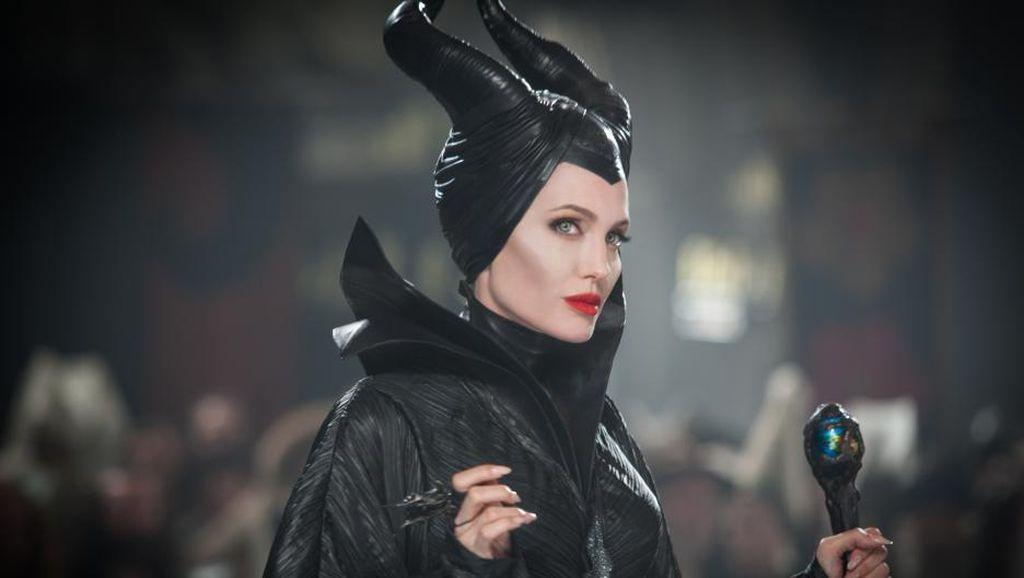 3 Desainer Indonesia Rancang Gaun yang Terinspirasi Film Maleficent 2