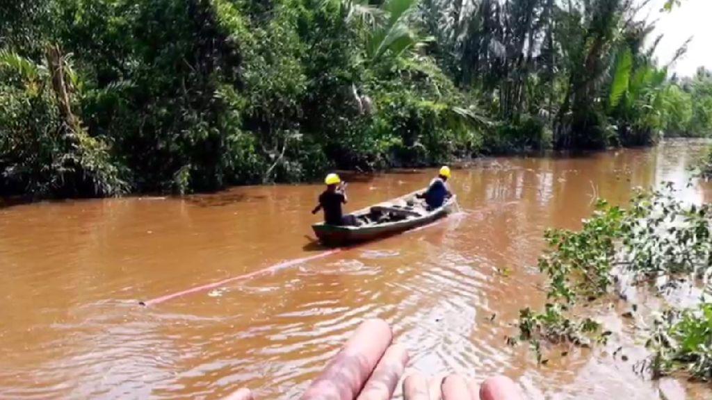 Begini Lho Perjuangan Terangi Pedalaman Riau