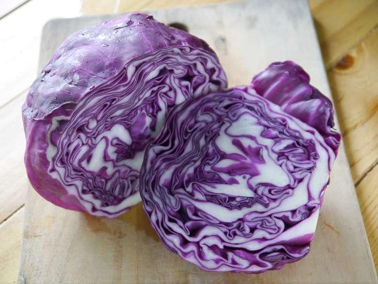 Kubis ungu mengandung flavonoid yang menjaga tekanan darah tetap terkendali dan meningkatkan kekebalan tubuh dari jenis kanker tertentu. Foto: Thinkstock