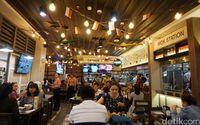 Boat Noodle Puasnya Makan Bermangkuk Mangkuk Mie Thailand Yang