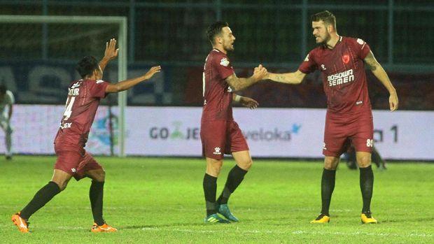 PSM Makassar berpeluang menjadi juara liga sepak bola Indonesia untuk kali pertama sejak musim 1999/2000.