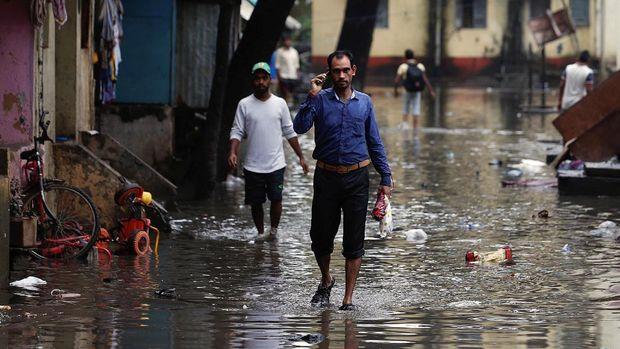 Banjir melanda kota Mumbai