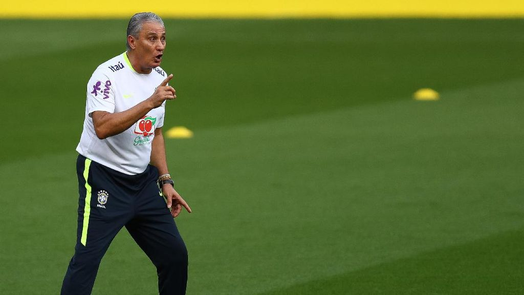 Dikabarkan Jadi Calon Pelatih Madrid, Tite: Itu Bohong
