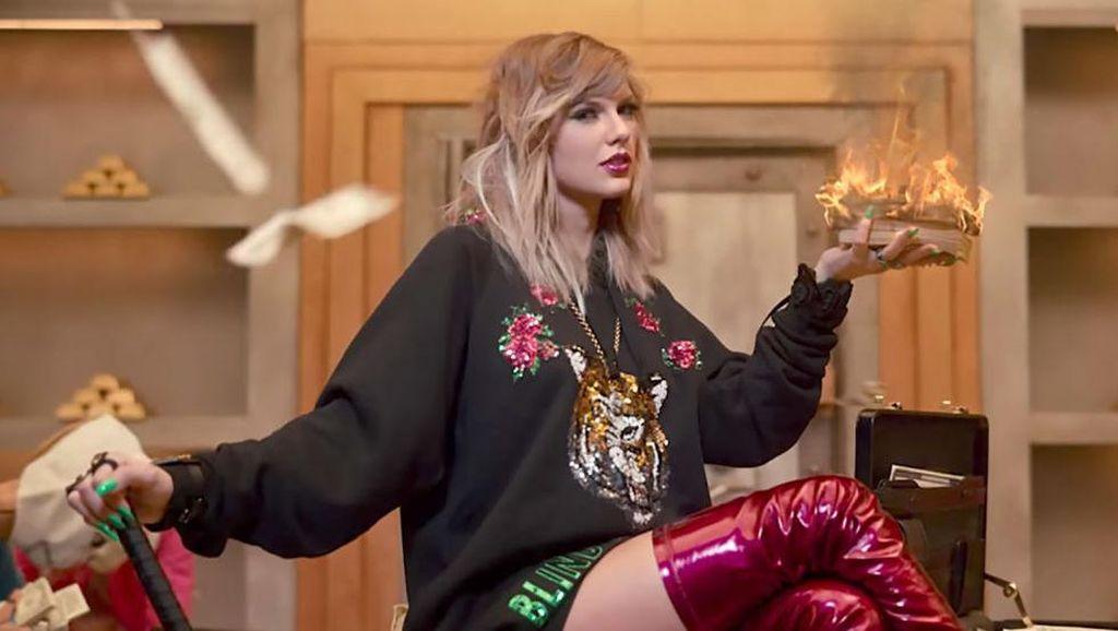 Cantiknya Taylor Swift Jadi Pengiring Pengantin