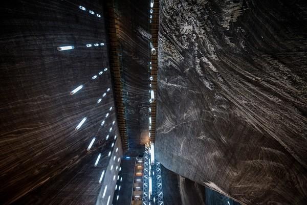 Sempatkan pula mengunjungi museum yang berisi 3 ruang tambang: Terezia, Anton, dan Rudolf yang masing-masing sedalam 120 meter, 108 meter, dan 42 meter di bawah permukaan tanah. Keren! (Thinkstock)