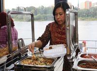 Promosi Kuliner Indonesia di Polandia Lewat Sate Kambing, Mie Kocok hingga Pisang Goreng