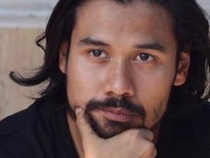 Sudah Tampil Garang Ingin Pelesiran, Chicco Jerikho Malah Ketinggalan Pesawat