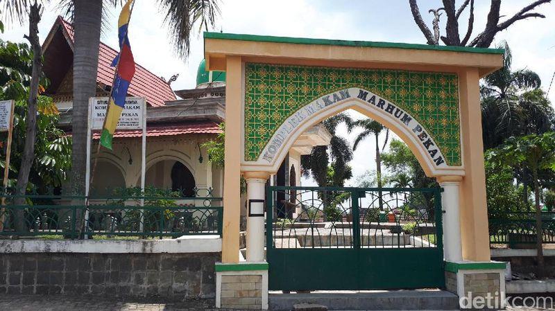 Salah satu spot ngabuburit Ramadhan di Pekanbaru yang bisa kamu kunjungi adalah Masjid Raya Pekanbaru. (Chaidir Anwar Tanjung/detikcom)