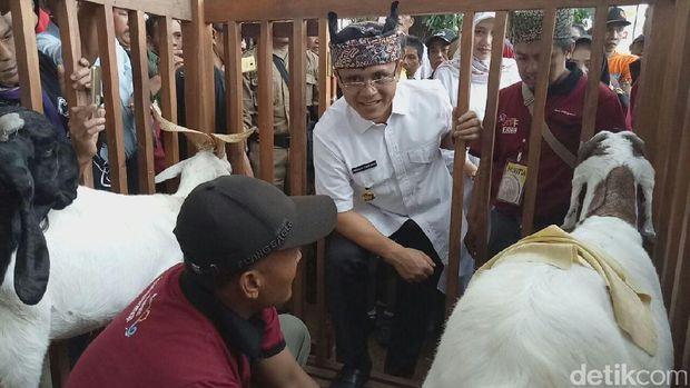Bupati Anas: Idul Adha Momentum Perkuat Budaya Gotong Royong