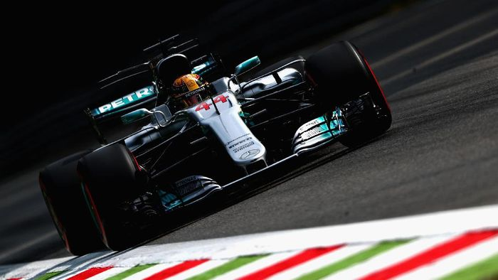 Lewis Hamilton tercepat di sesi latihan bebas pertama GP Italia (Foto: Dan Istitene/Getty Images)