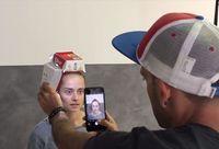 Keren! Pemotretan Ini Gunakan Kotak Big Mac McD, Senter dan Sedotan sebagai Lighting