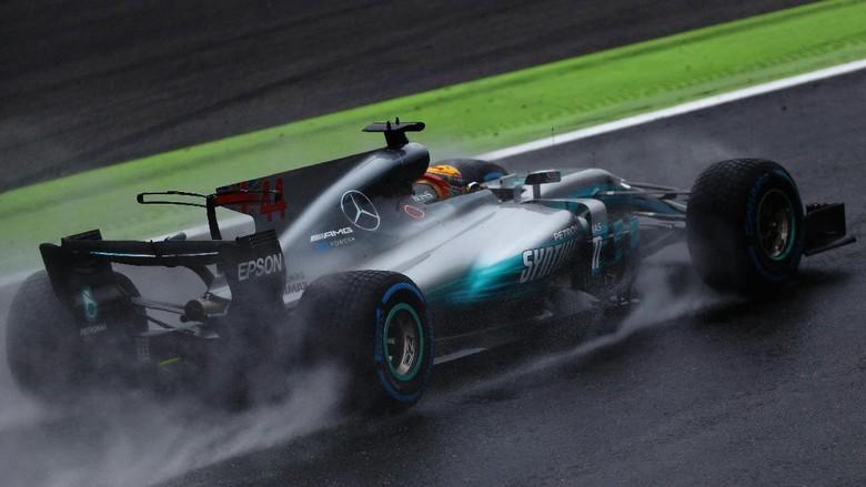 Terhenti Dua Jam Lebih karena Hujan, Pole di Monza Milik Hamilton