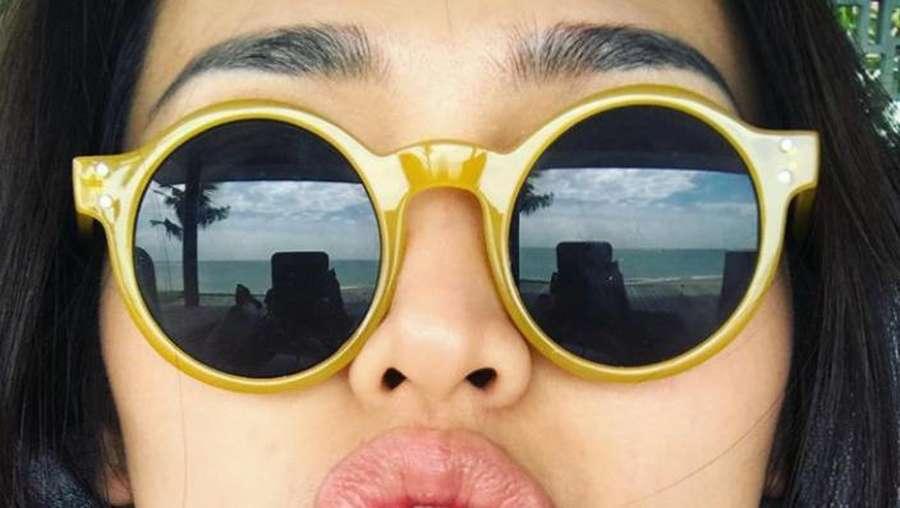 Happy Banget! Jessica Iskandar Liburan Bareng Jennifer Bachdim